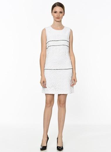Network Kayık Yaka İşleme Detaylı Elbise Beyaz